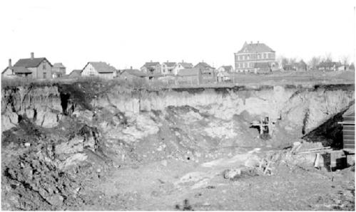 clay-pit-of-the-mason-city-brick-and-tile-company