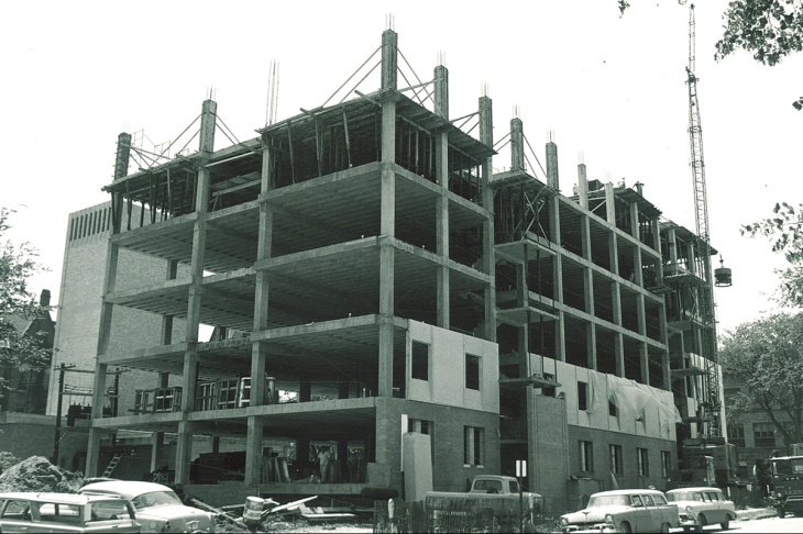 Construction_on_original_section_of_Van_Allen_Hall_The_University_of_Iowa_July_1964-200dpi